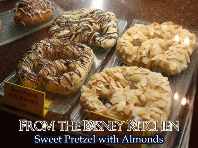 Sweet Pretzel with Almonds